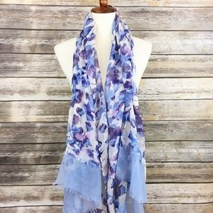 Simply Vera by Vera Wang Oblong Scarf in Floral